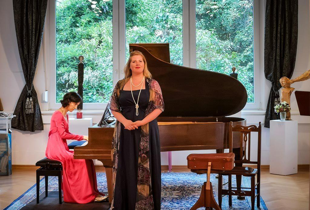 Simone Hirsch und Nare Karoyan